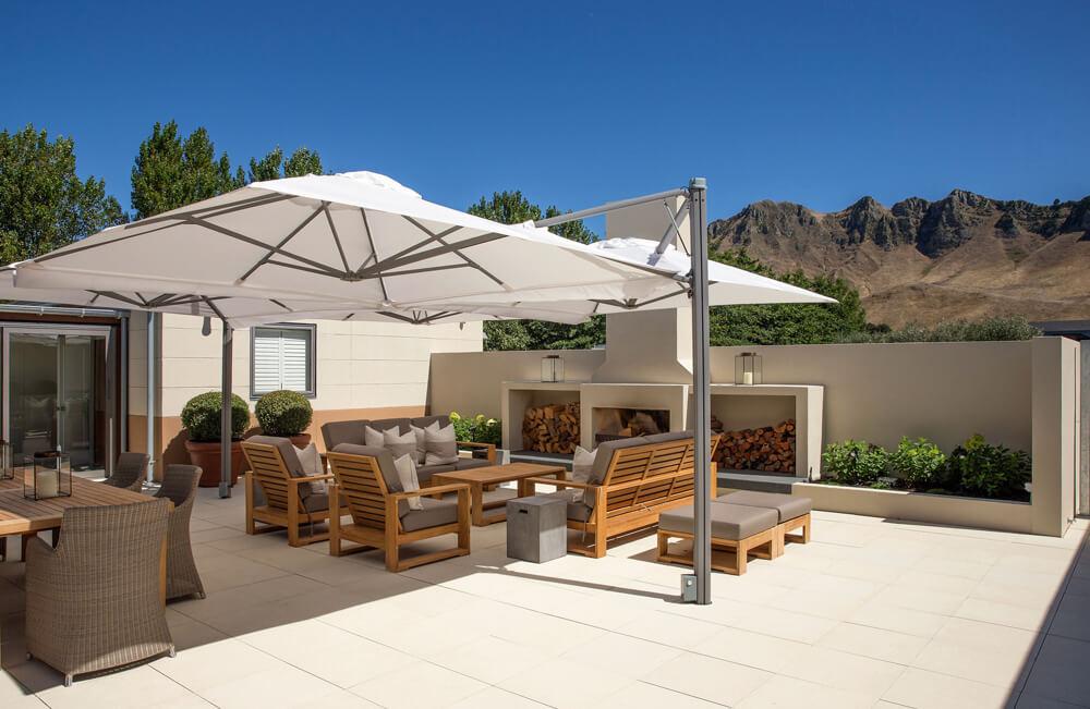 Craggy-Range-Lodge-Courtyard-(1)